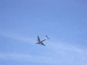Globemaster C-17 flys low over GB7WB
