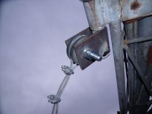 GB3WE guy wire fitted around the nylon wheel insulator