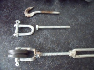GB3WE turnbuckle tensioner modification to provide guy wire isolation