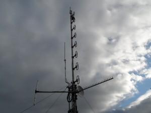 GB3WB UHF 8 Stack, 2.4 GHz omni, 2.4 GHz Tonna & VHF folded dipole